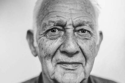 older man with dry eyes